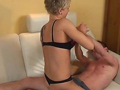 Hotwife full of muscle take control on her hu