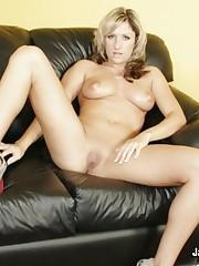 Curvy Blonde Loves Pleasing Big Dicks