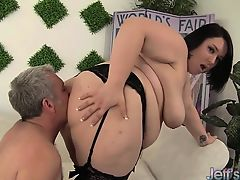 Marvelous and chubby plumper Alexxxis Lure fucking a fat cock.