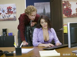 boss valentina makes her employee take clemency of her feet