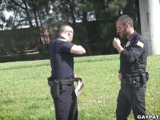 cops oral sex a bends cock