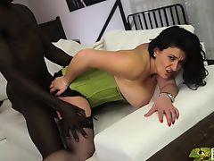 CASTING ALLA ITALIANA - Romanian BBW takes anal at casting