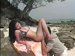 Teen Thai Girl Fucked In The Beach