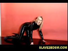 Latex freak vixen pleasures herself