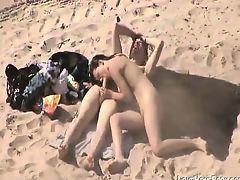 Horny Couple Fucking At The Beach